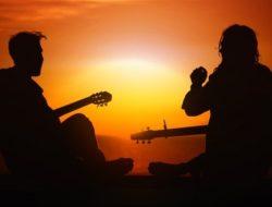 Deretan Lagu Pengiring Waktu Senja