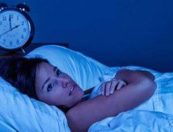 Sering Terbangun Tiap Jam di Tengah Malam ? Ini Penjelasanya !