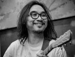 Tak Hanya Tutup Tahun Dengan Konser Virtual, Adhitia Sofyan Juga Rilis Lagu Baru