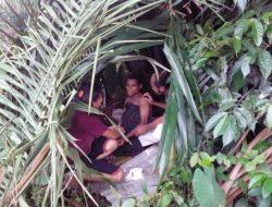 Diyakini Membawa Mala Petaka, Ibu Hamil Bersalin di Hutan