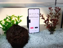 Edan ! Samsung Galaxy S21 Sanggup Menyala 13 Hari di Air
