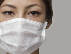 4 Cara Menghilangkan Jerawat Karena Masker